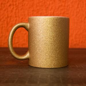 caneca glitter dourado